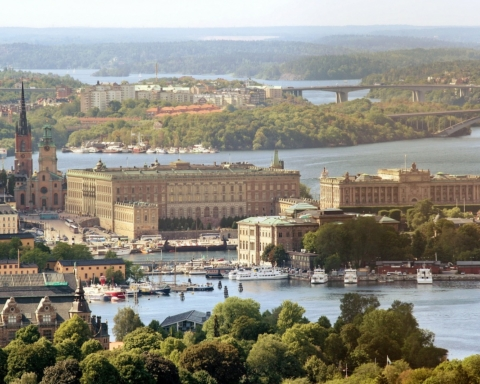royal-palace-377913_1280