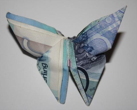 pounds-994850_640
